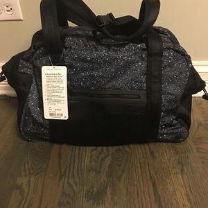 7bfdb780ec lululemon athletica Bags - Awesome!🔥 Lululemon Everywhere Duffel 27L Gym  Bag